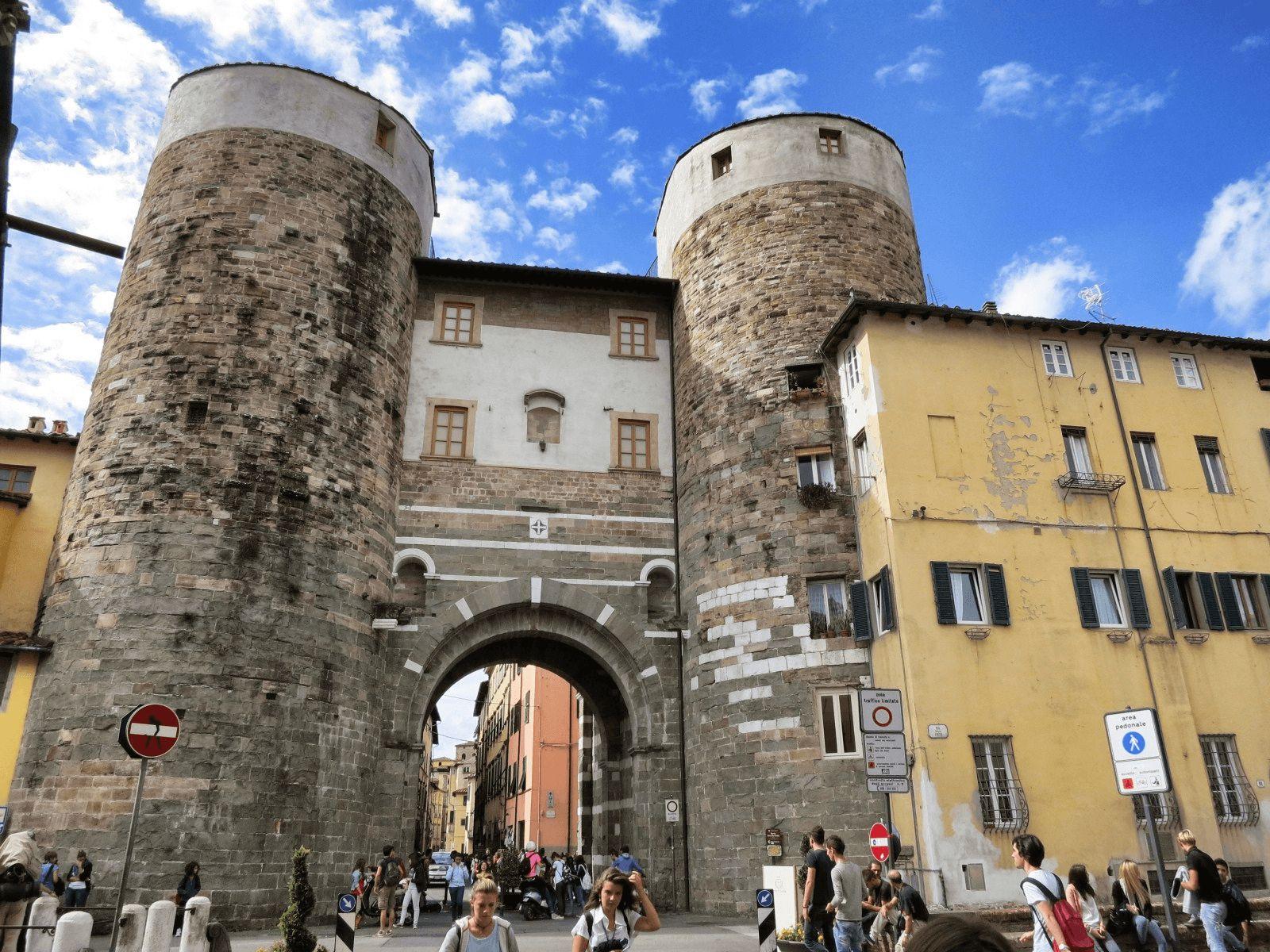 Toskana i Firenca: Lucca: vožnja biciklima po zidinama