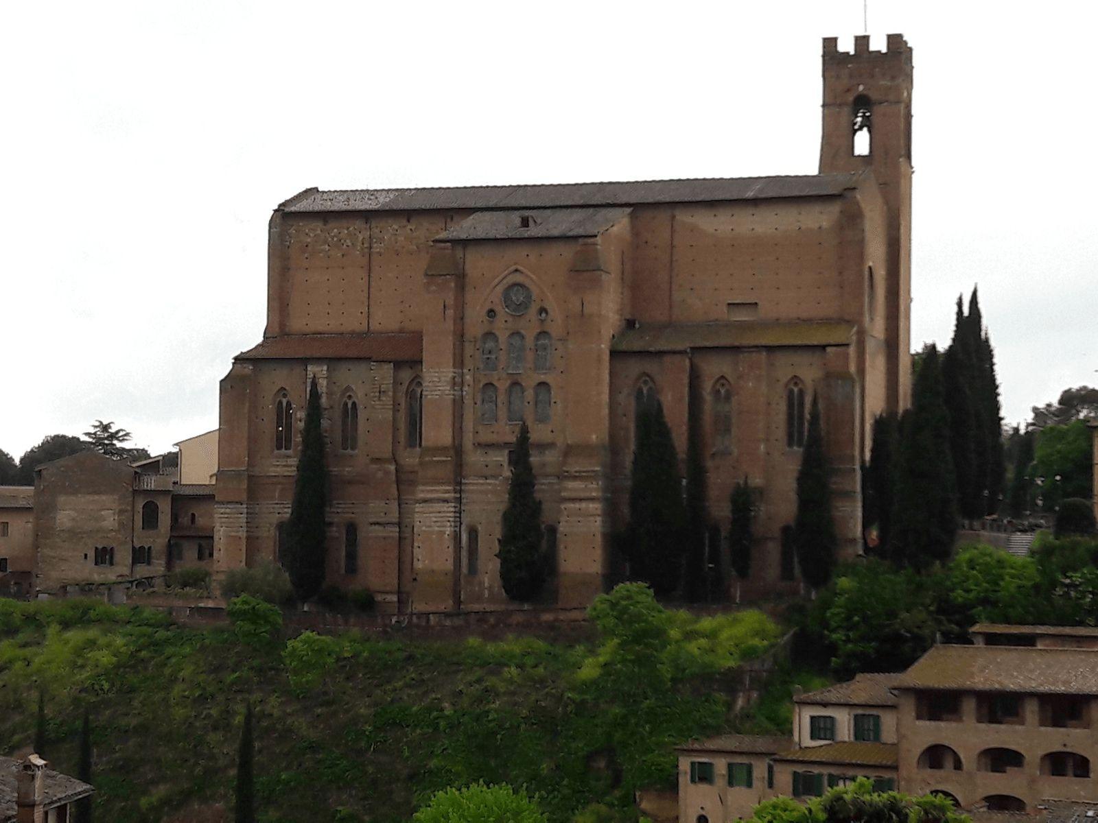 Toskana i Firenca: Sienna: bazilika Cateriniana