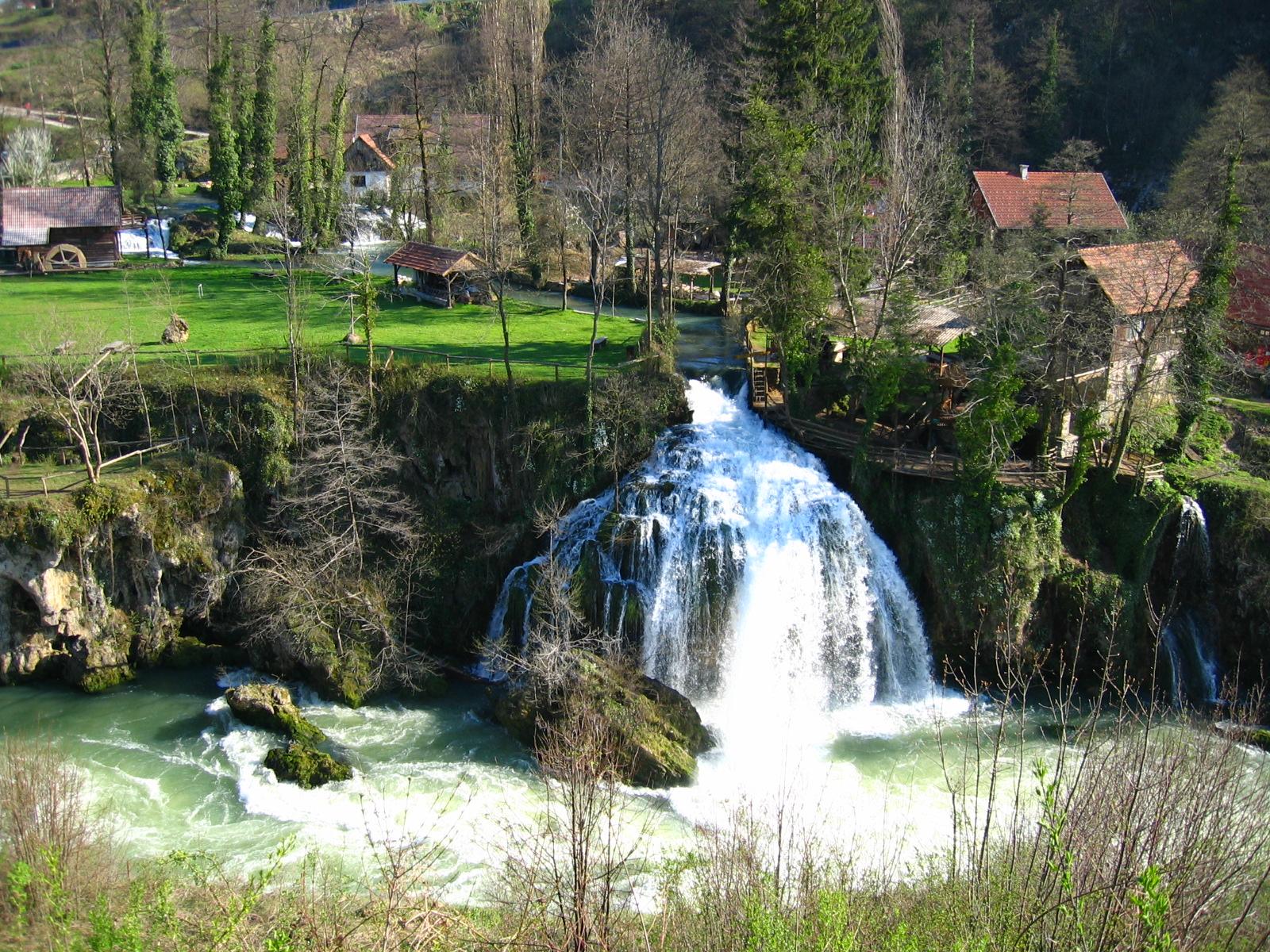 Plitvička jezera i Banovina: Slunj: Etno selo Rastoke