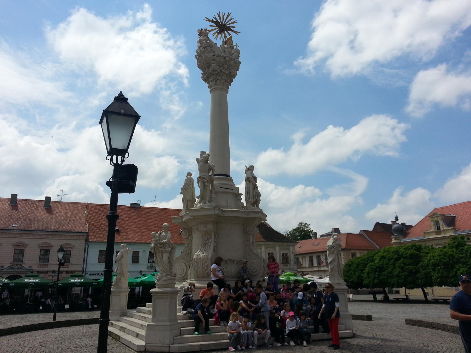 Slavonija: Osijek: Trg sv. Trojstva