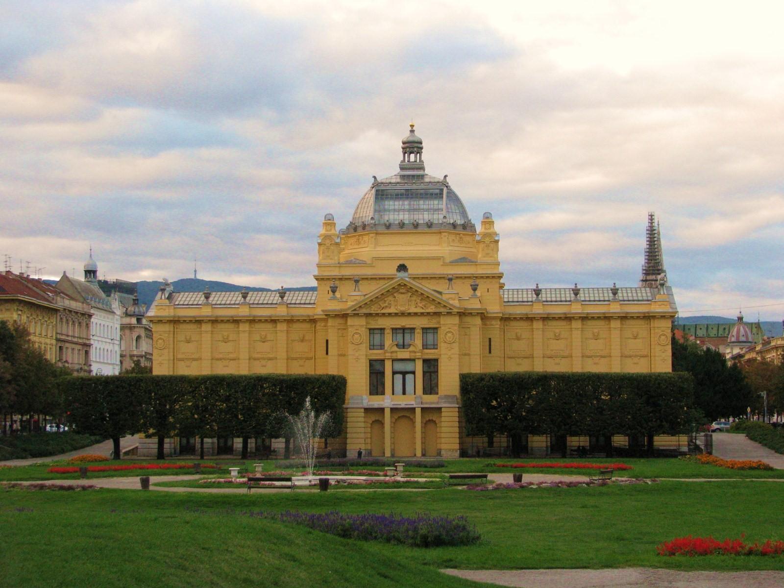 Zagreb - Opća tura: Umjetnički paviljon