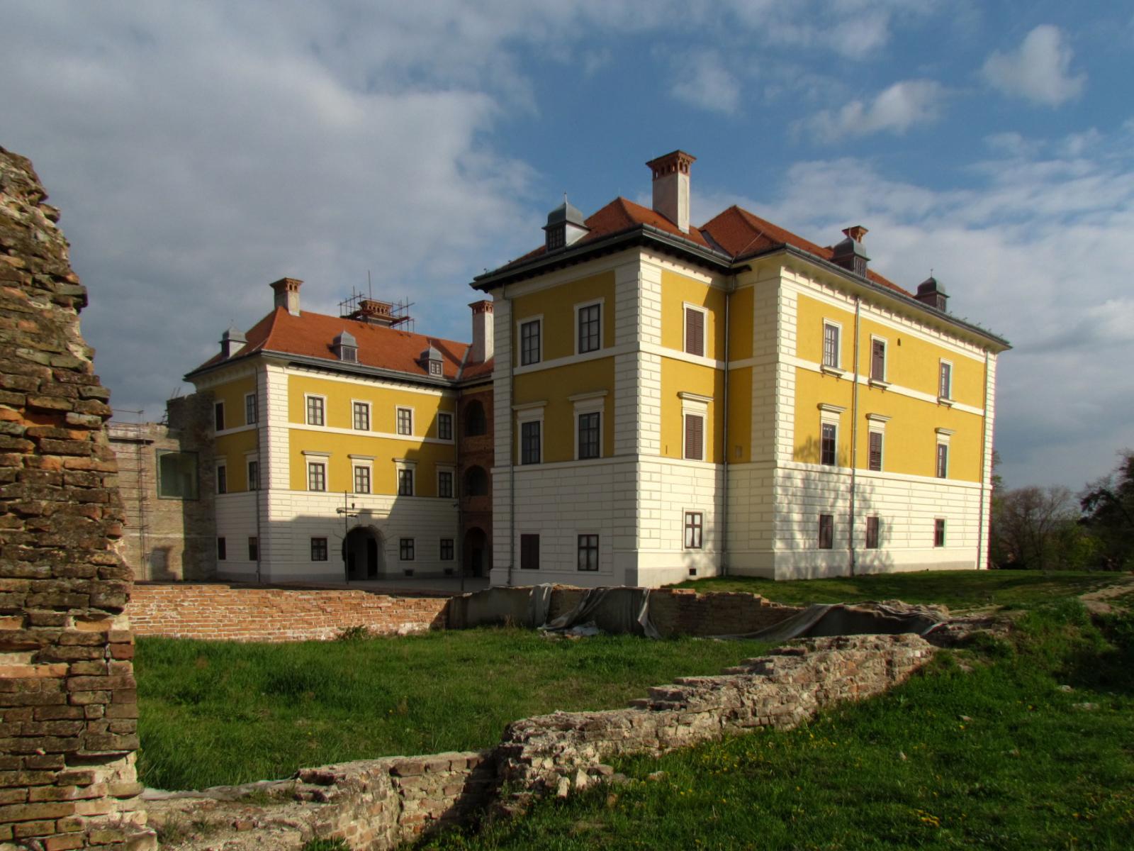 Vukovar i Ilok: Ilok: Dvorac Odescalchi