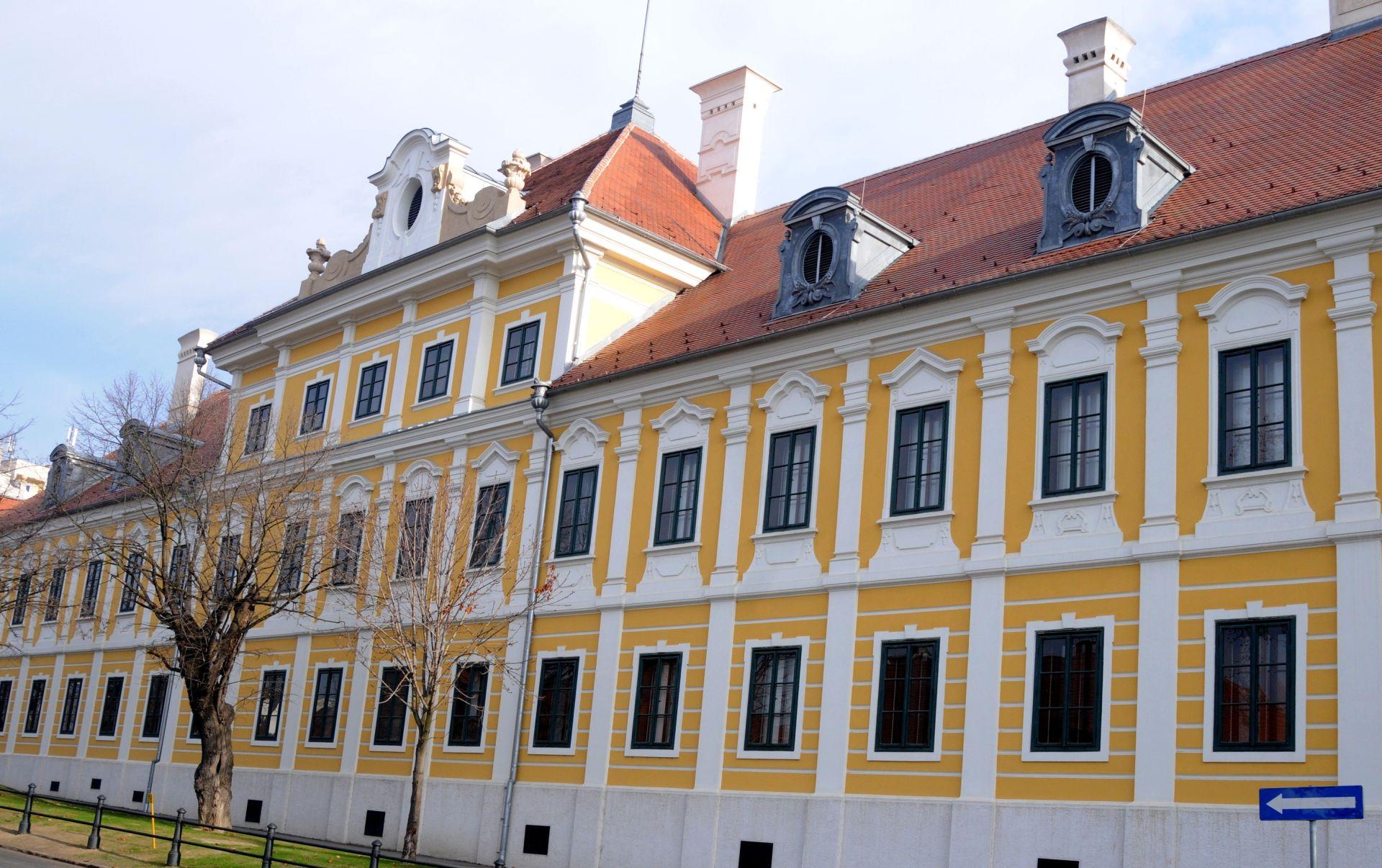 Vukovar i Ilok: Vukovar: Dvorac Eltz i Gradski muzej