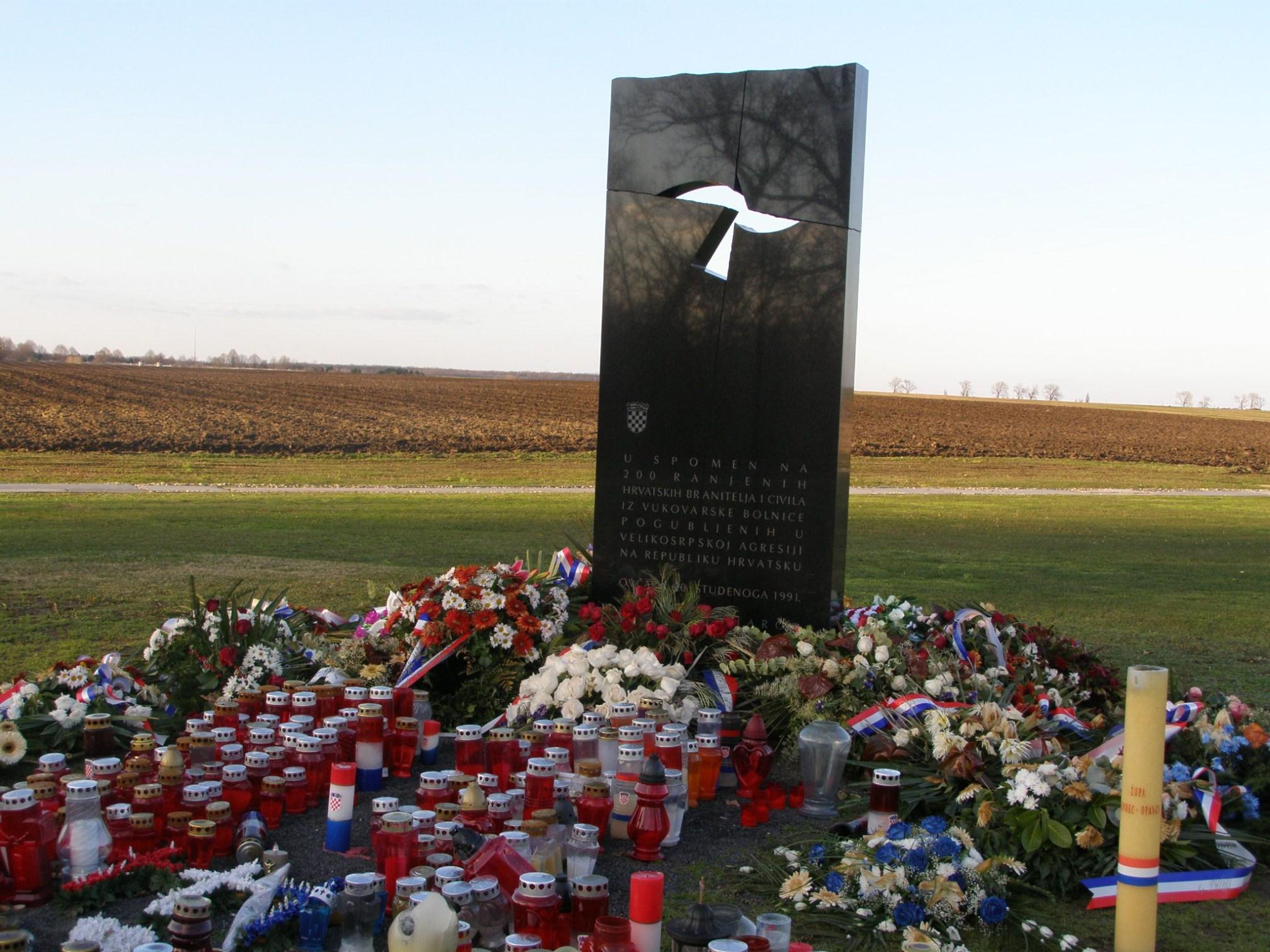 Vukovar i Ilok: Vukovar: grobnica Ovčara