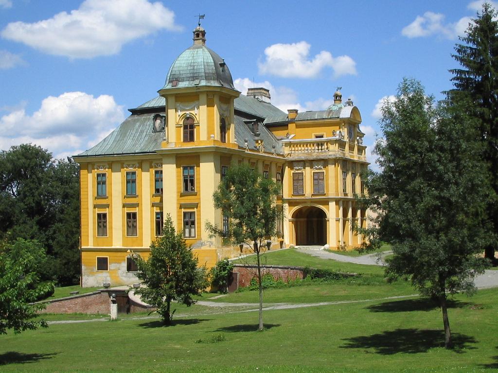 Slavonija i Baranja: Našice: Dvorac Pejačević