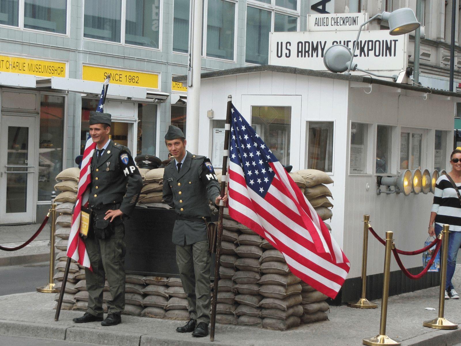 Prag, Berlin i Dresden: Berlin: Checkpoint Charlie