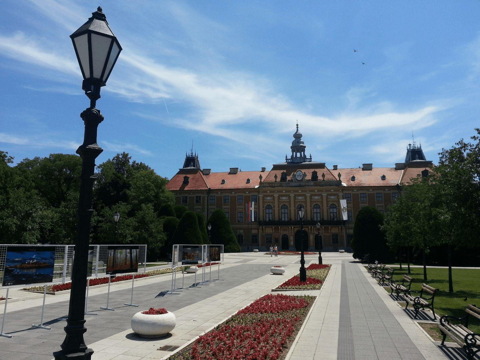 Beograd i Vojvodina: Sombor: zgrada Županije