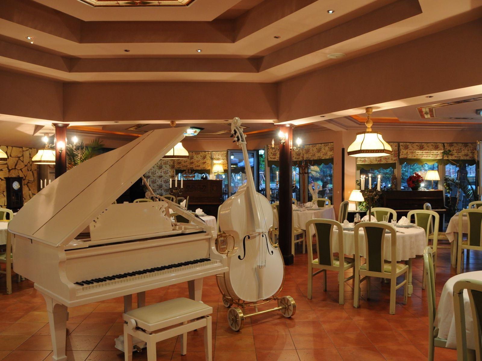 "OHRID SPRING BREAK - First minute: Top restoran ""Biljanini izvori"""