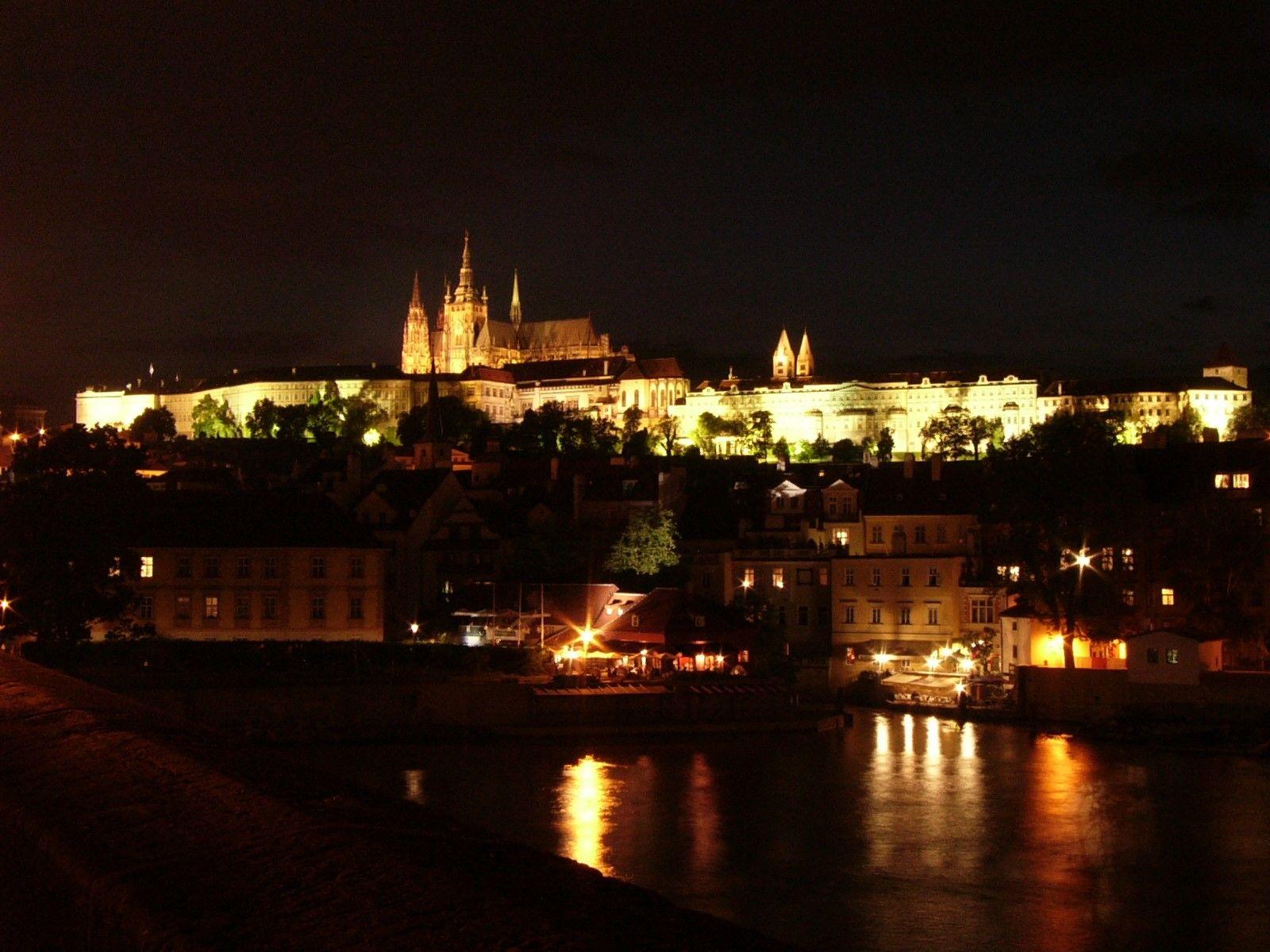 Putovanje Cannafest Prag 2019. - Rasprodano!: Noćno krstarenje Vltavom uz frulu :)