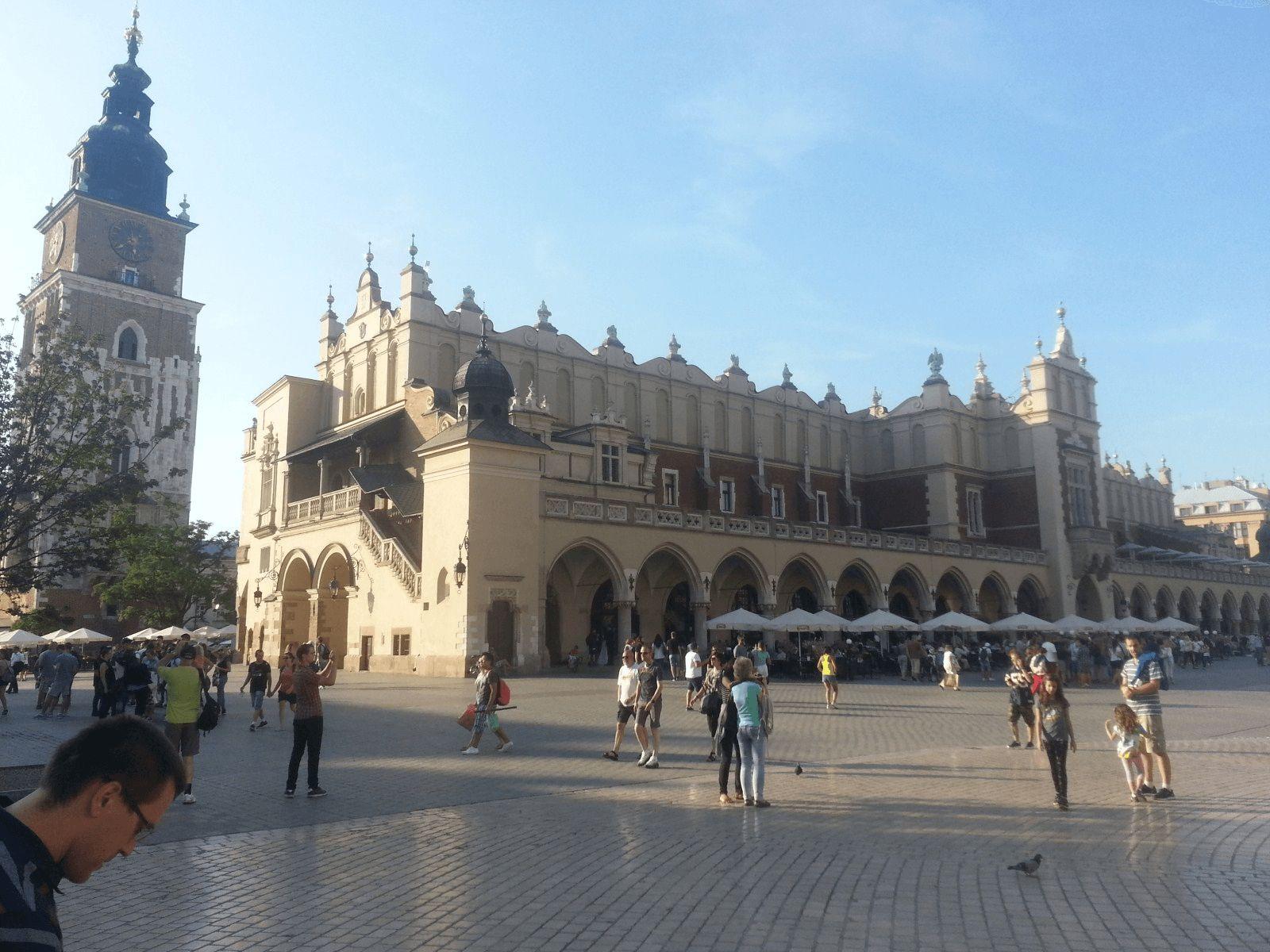 Krakow i Bratislava: Krakow: glavni trg Sukiennice